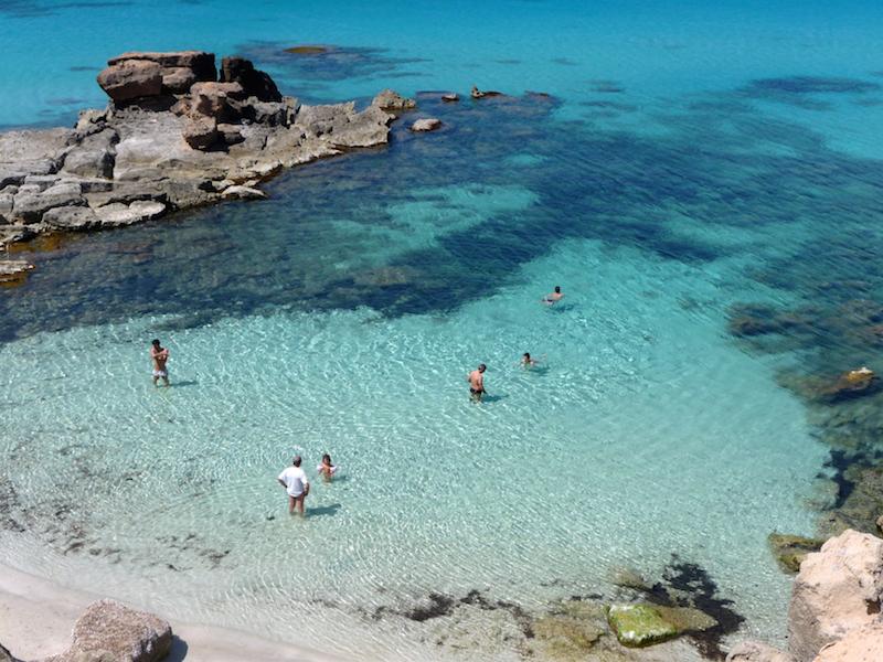 Aguas tranquilas y turquesas para familias 2 Formentera. Viver sem pressa