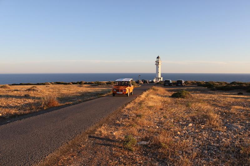 Es Cap de Barbaria mehari Formentera. Viver sem pressa
