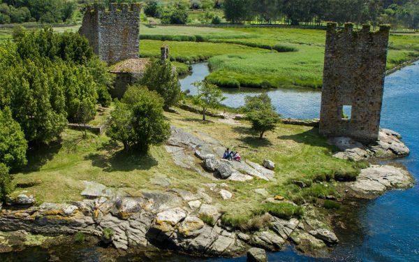 Torres del Oeste en Catoira e1523279337241 Rias Baixas: natureza e cultura para todos